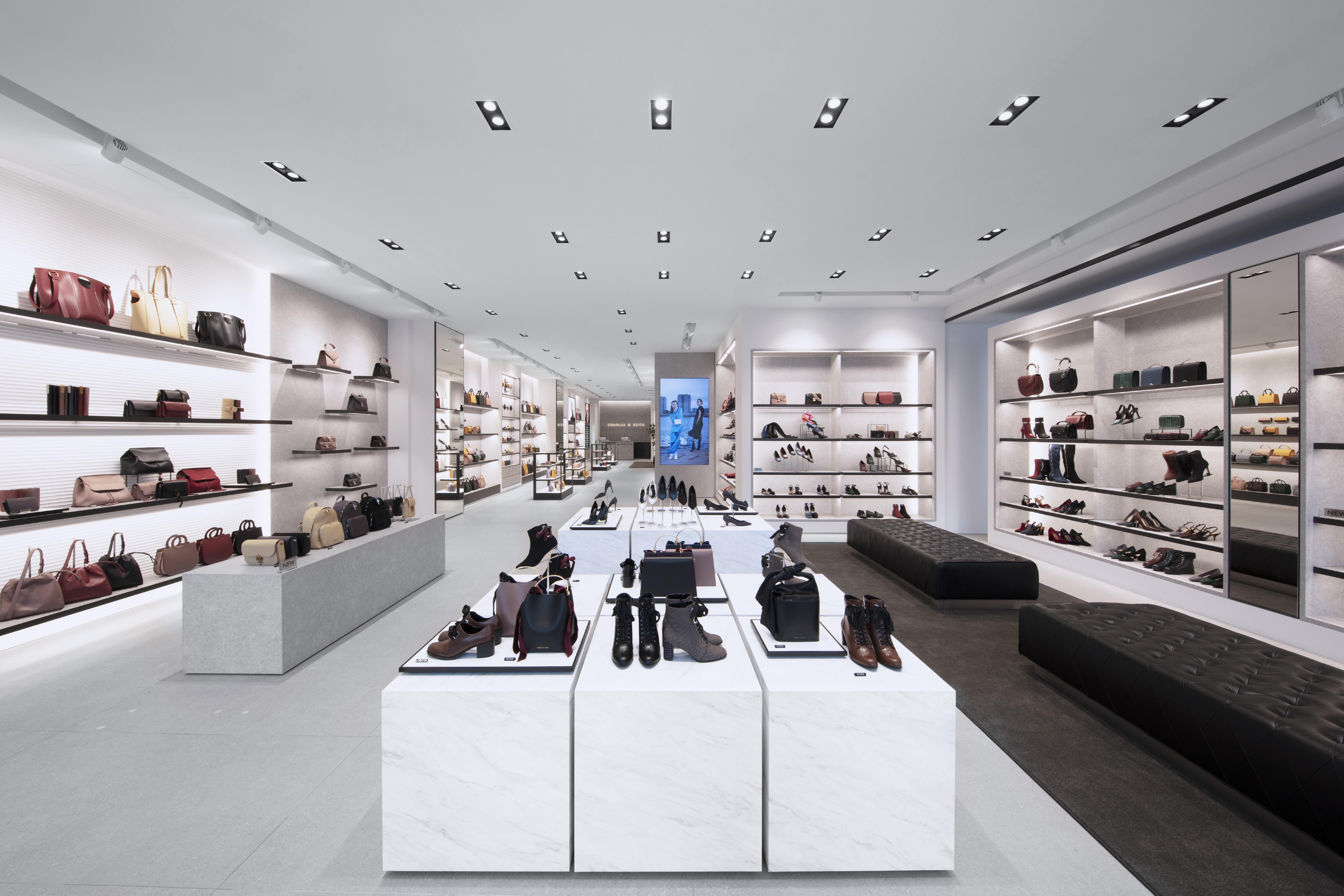 新店舗は三越や松坂屋、プレミアムブランドの店舗を誇る商業地区である「栄」エリアに位置する名古屋パルコ西館の                向かい、名古屋ゼロゲート内にオープン致します。